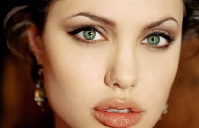 дневной и вечерний макияж для светло зеленых глаз (фото)