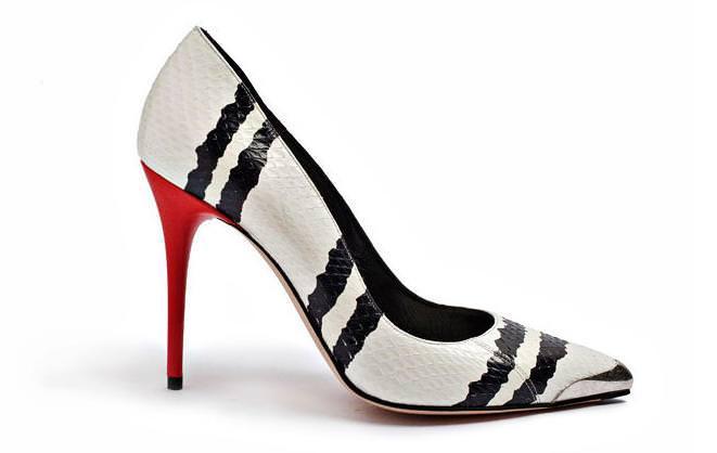 modnaya-podborka-10-par-obuvi-s-zhivotnymi-i-drugimi-printami (1)