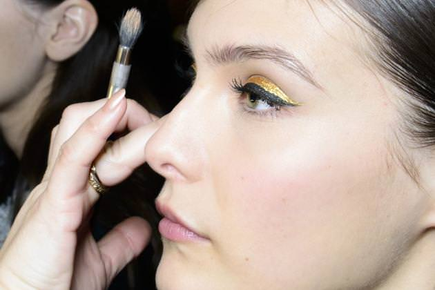 embedded_gold_eyeliner_fall_2014_trend