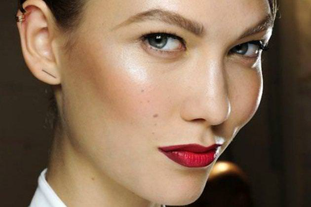 embedded_red_lipstick_fall_2014_trend