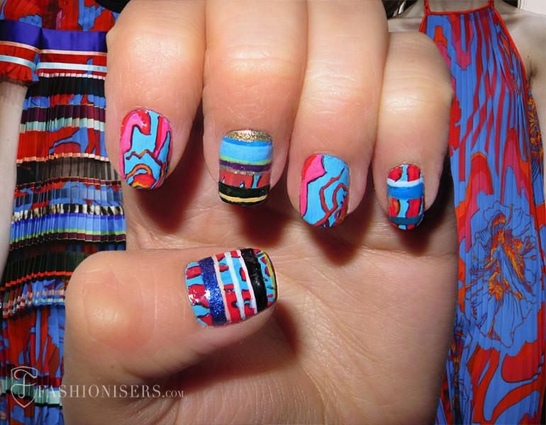 spring_2015_runway_inspired_nail_art_designs_Roberto_Cavalli_fashionisers