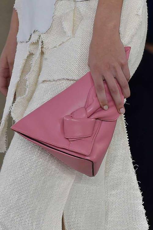 spring_2015_trendy_designer_handbags_from_the_runway_Loewe