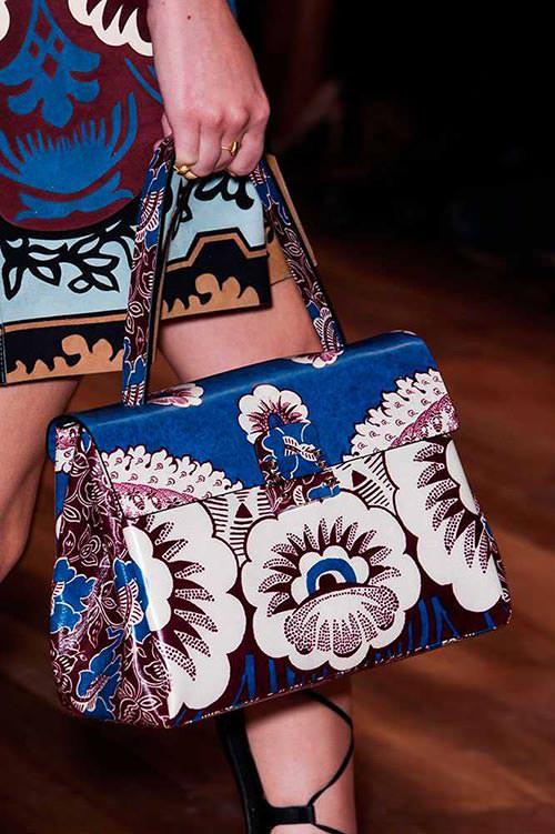 spring_2015_trendy_designer_handbags_from_the_runway_Valentino