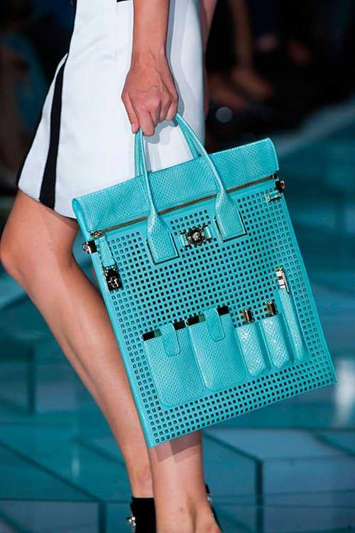 spring_2015_trendy_designer_handbags_from_the_runway_Versace