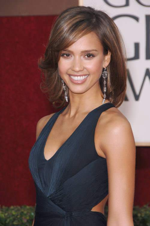 13-soft-bob-with-flirty-ends (1)