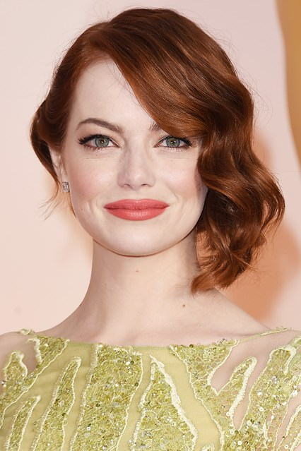 Emma-Stone-beauty-Vogue-23Feb15-Getty_b_426x639
