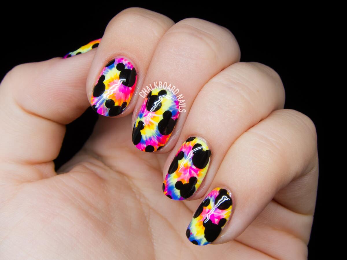 psychedelic-mickey-tie-dye-nail-art-3