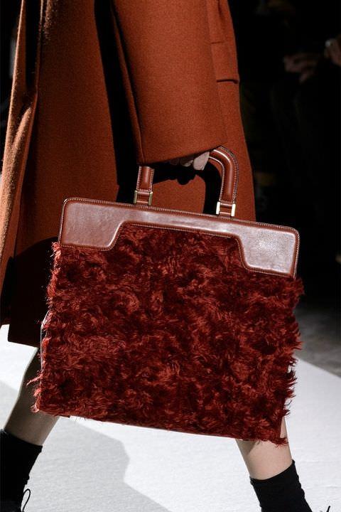 hbz-fw2017-trends-handbags-fur-bags-van-noten-clp-rf17-0337