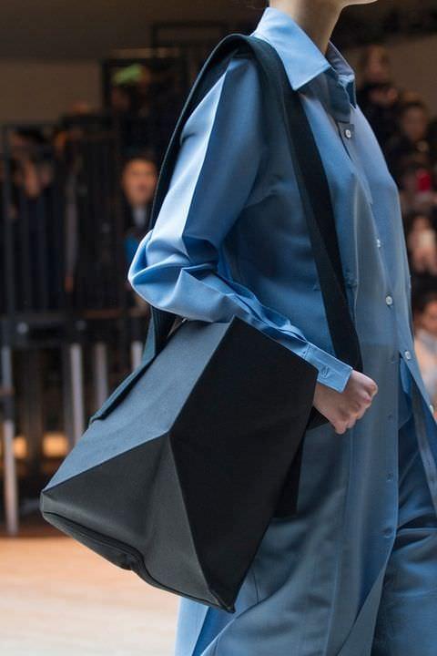hbz-fw2017-trends-handbags-soft-celine-clp-m-rf17-0033