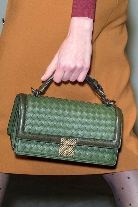 hbz-fw2017-trends-handbags-vintage-inspired-bottega-veneta-clp-rf17-5446